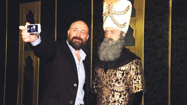 Muhteşem Yüzyıl:Teşhir-i İhtişam sergisi açıldı!