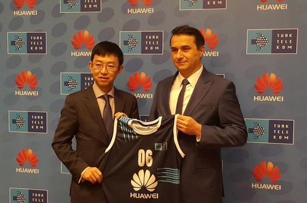 Türk Telekom Basketbol Takımı'nın forma sponsoru Huawei oldu