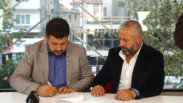 Çelikler Holding, Kütahyaspor'a sponsor oldu