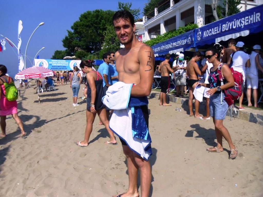 Milli yüzücü Emre Öztürk sponsor buldu