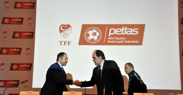 Petlas, A Milli Futbol Takımına Sponsor Oldu