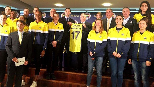 Fenerbahçe Kadın Basketbol Takımı'nın sırt sponsoru Akasya oldu