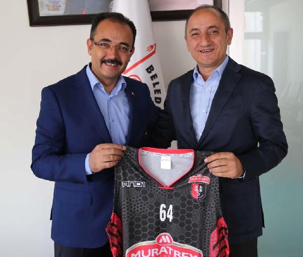 Muratbey, Uşak Sportif ile Devam Dedi