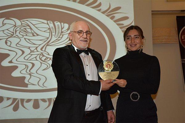 Şahika Ercümen Ödülünü Aydemirler Sponsorluğunda Aldı