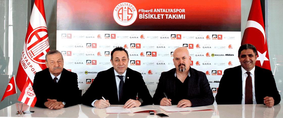 Fiberli, Antalyaspor Bisiklet Takımı'na Yeniden Sponsor Oldu
