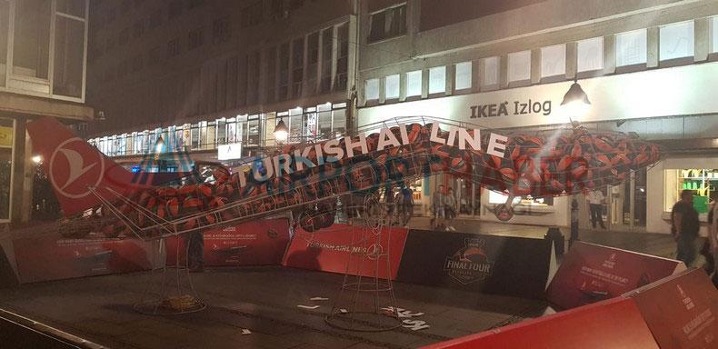 Euroleague Sponsoru THY'nin Maketine Saldırı Yapıldı