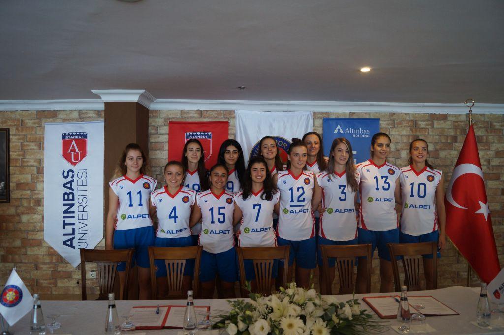 Alpet, Yeşilyurt Spor Kulübü Bayan Voleybol Takımı'na Forma Sponsoru Oldu