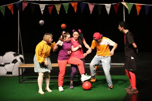 """HDI Sigorta, """"Futbol Bir Oyundur"""" Tiyatro Oyununa Sponsor Oldu"""