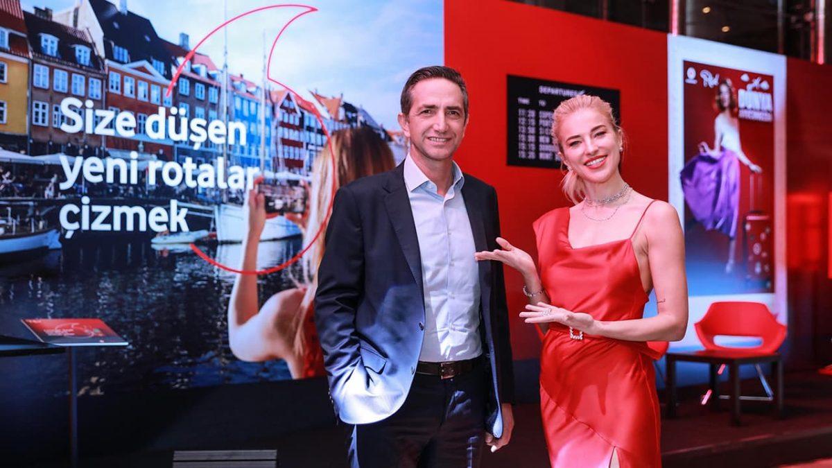 """""""Dünya Avucunuzda"""", Vodafone Red sponsorluğunda Esma Sultan Yalısı'nda tanıtıldı"""