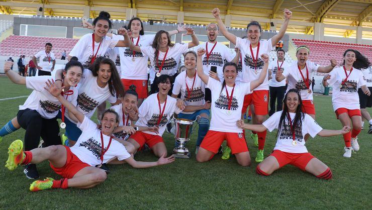 Avon'un ana sponsoru olduğu Beşiktaş Kadın Futbol Takımı Şampiyon Oldu