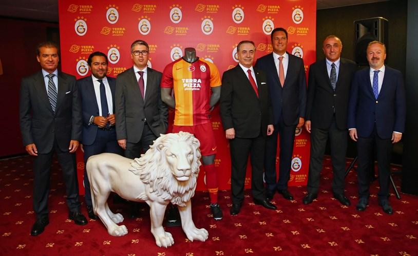 Galatasaray- Terra Pizza (Pizza Pizza) Forma Göğüs Sponsorluğu Detayları