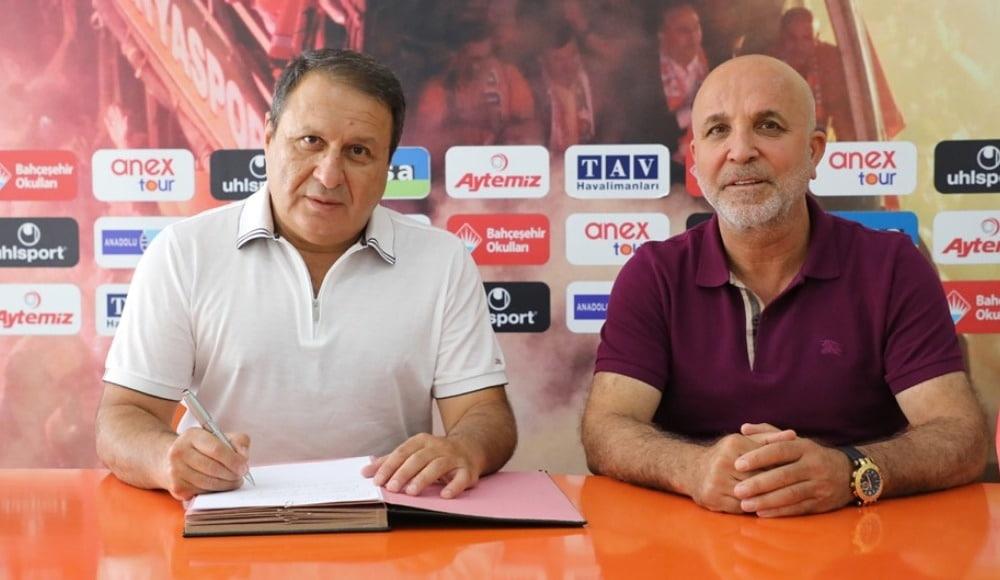 Alanyaspor Stadı'nın Yeni Adı Bahçeşehir Okulları Stadı Oldu
