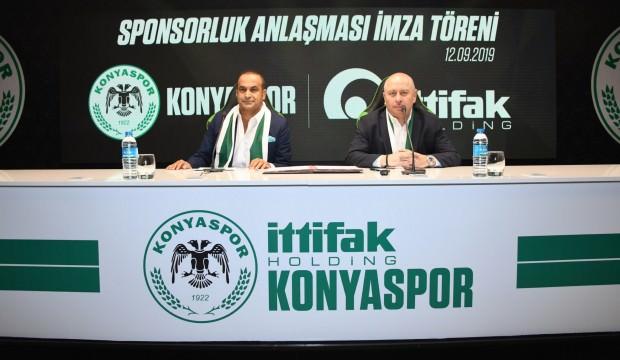 Konyaspor ve İttifak Holding Sponsorluk Anlaşmalarını 5 Yıl Uzattı