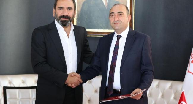 Akbank ve Demir Grup Sivasspor Sponsorluk Anlaşmalarını Uzattı