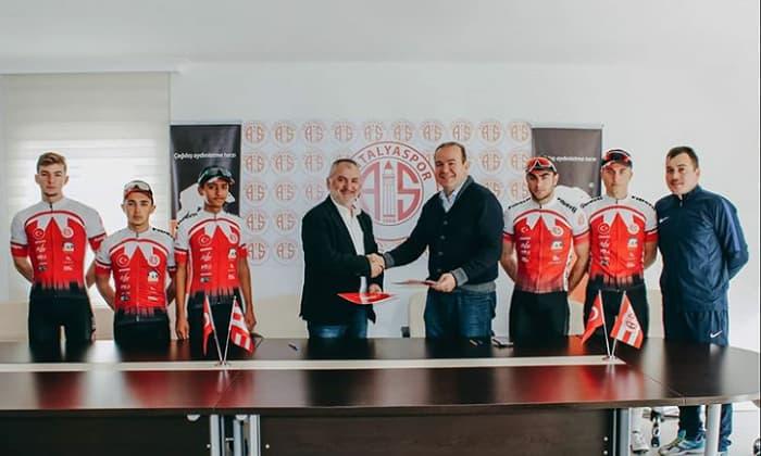 Antalyaspor ve Fiberli Bisiklet Takımı Sponsorluğu 2020'de de Devam Edecek