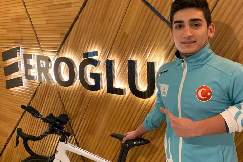 Eroğlu Holding, Milli Paratriatlet Uğurcan Özer'in Sponsor Oldu