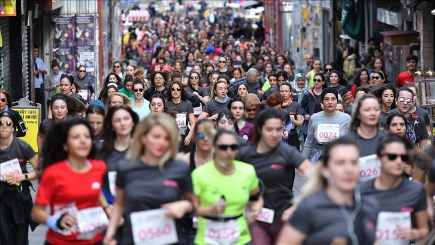 """""""İstanbul'u Koşuyorum"""" Kadınlar Günü Etabı, Vodafone Sponsorluğunda Koşuldu"""