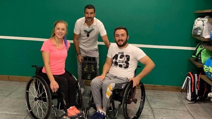 Olgar, Tekerlekli Sandalye Tenis Milli Takımı Sporcuları Ebru Bulgurcu ve Fatih Karataş'a Sponsor Oldu