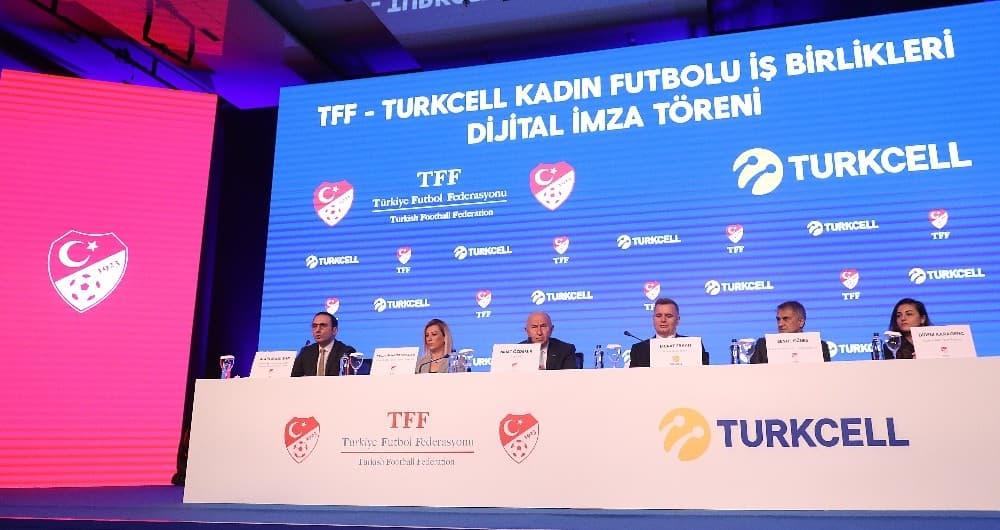 Kadınlar Futbol Ligi'nin İsim Sponsoru Turkcell Oldu