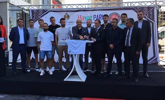 Medet Anli Holding, Fatih Karagümrük'ün Forma Kol Sponsoru Oldu