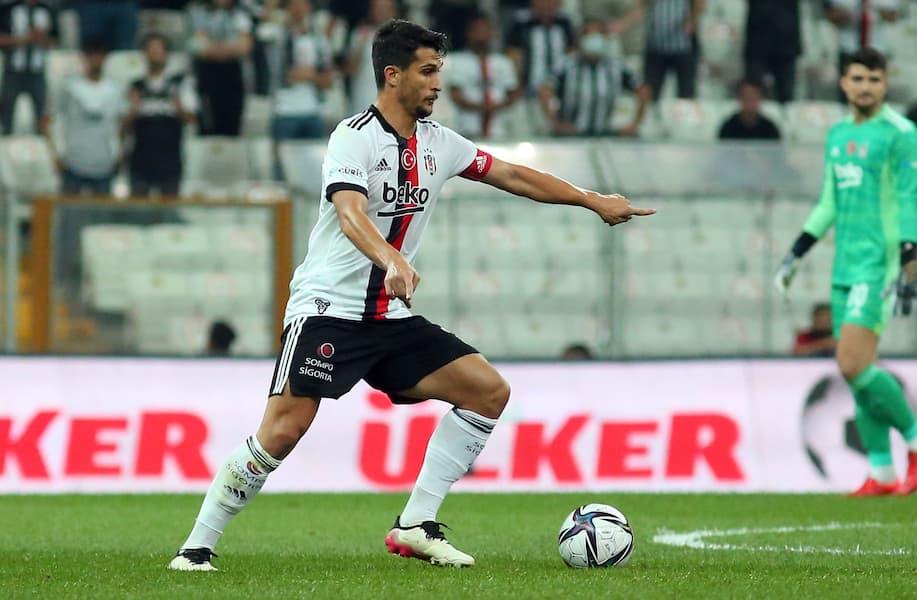 Beşiktaş'ın Şort ve Çorap Sponsoru Sompo Sigorta Oldu